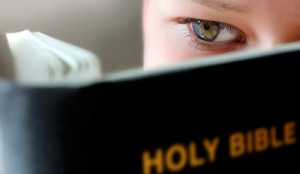 boy_reading_bible
